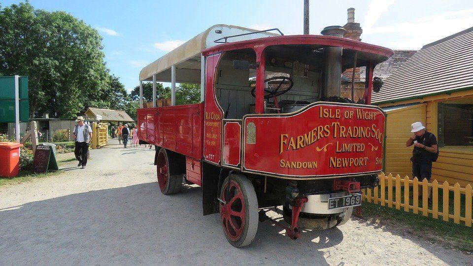 historic-vehicle-5298421_960_720-2860188